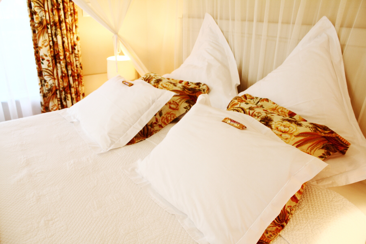 Double bed pillows with complimentary chocolates